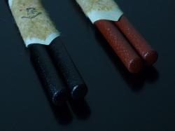 輪島塗小判型 「すべらん箸」 黒は、横から見ると小判型